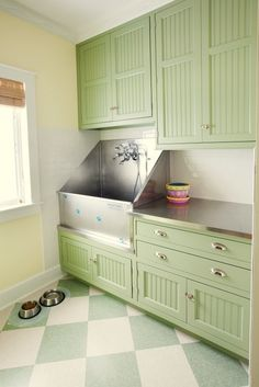 Dog-Friendly Home Ideas: From small space savers to over-the-top suites, there are many creative ways to incorporate living space for your Best Friend into your new home. Especially when it comes to the mud room or utility room. Here are 5 ideas from around the web to inspire you http://houseplansblog.dongardner.com/dog-friendly-home-ideas #House #Plans #Blog