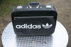 ADIDAS Koffer schwarz Vintage 41300
