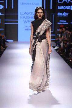 """ with ・・・ Urvashi Kaur for Lakmé Fashion Week Saree Draping Styles, Saree Styles, Drape Sarees, Indian Dresses, Indian Outfits, Indian Clothes, Sari Blouse Designs, Blouse Patterns, Indian Look"