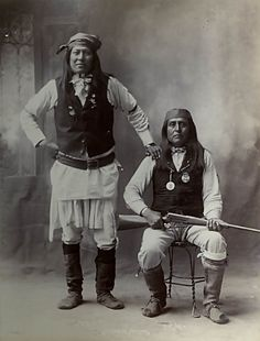 Apache Portrait (Front) of Jesus and Chief Josh Jingling with Gun; Both in Partial Native Dress 1898 Native American Images, Native American Tribes, Native American History, Apache Indian, Native Indian, Indian Pictures, Aboriginal People, First Nations, Chihuahua