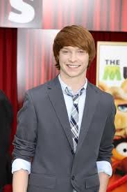 (calum worthy) Calum Worthy, Austin And Ally, Breast, Suit Jacket, Boyfriend, Suits, Beautiful Things, Jackets, Fashion