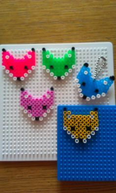 Vossenkop van strijkkralen. Hama Beads Design, Diy Perler Beads, Pearler Beads, Bead Crafts, Diy And Crafts, Paper Crafts, Pearl Beads Pattern, Beading For Kids, Pearler Bead Patterns