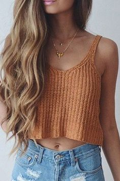 Khaki Sleeveless Knit Crop Top we have chosen the newest fashion clothes for you. Débardeurs Au Crochet, Mode Crochet, Crochet Bikini, Crochet Style, Cropped Tops, Top Fashion, Fashion Outfits, Style Fashion, Ladies Fashion