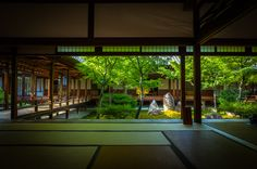 (Kennin-ji temple, Kyoto) by Marser Japanese Home Design, Japanese Style House, Traditional Japanese House, Japanese Interior, Japanese Mansion, Architecture Du Japon, Architecture Design, Sustainable Architecture, Residential Architecture