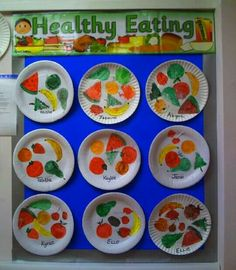 Healthy Eating classroom display photo – Photo gallery – SparkleBox – Diet and Nutrition Healthy Kids, Healthy Living, Healthy Recipes, Eating Healthy, Clean Eating, Healthy And Unhealthy Food, Nutrition Activities, Classroom Displays, Preschool Displays