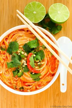 This easy Thai Spicy Noodle Soup recipe is quick, hearty and infused with fragrant Thai flavors. A soul-warming noodle soup that is vegan, gluten-free and requires only 15 minutes to make! Spicy Noodle Soup Recipe, Spicy Soup, Spicy Thai Chicken Soup, Rice Noodle Recipes, Thai Noodle Soups, Spicy Thai Noodles, Rice Noodles, Thai Vegetable Soup, Vegetarian