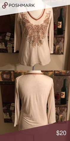 REBA 3/4 Sleeve Top. Size M REBA 3/4 Sleeve Top. Rhinestone decor. Size M Reba Tops Tees - Long Sleeve