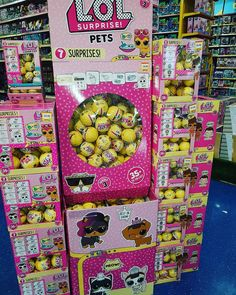 Oh my im in L.O.L heaven  LOL pets and LOL lil sisters series 3 in my local @smythstoys hehe!! Appologies for the delay in uplaoding my LOL surprise opening video were currently having some technical issues but as soon as it is up i will let you lovely bunch know  Tia xx @lolsurprise.uk @lolsurprise @mga_entertainment_germany #loldolls #lolsurprisedolls #lolpets #lollilsisters #toys #influencer #smythstoys