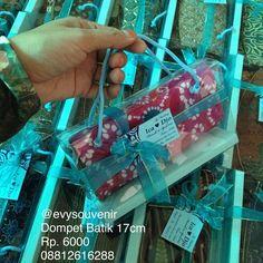 Souvenir Dompet Batik 17cm, motif dan warna batik campur  Rp. 6.000 (Mika+sablon+kartu ucapan)  WA 08812616288 LINE evysouvenir
