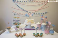 Bodas de lã Mais Pom Poms, Butterfly Party, Wedding Vows, Lana, Diy And Crafts, Desserts, Tassel, Ideas, Third Birthday