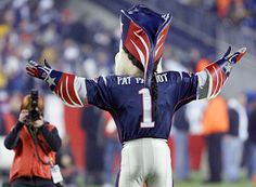 Pat Patriot, New England Patriots Mascot, loves a photo-op. Patriots Cheerleaders, Patriots Fans, Football Football, Superbowl Champions, Boston Sports, New England Patriots, Super Bowl, Cheerleading, Nfl