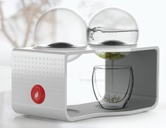 The Bodum Coffee & Tea Maker is unlike any I've seen before. A borosilicate glass reservoir & beverage filter are integrated as detachable modules, making the coffee or tea completely spill-proof. The engagement of brewing process is revealed in one central, elegant device. A new chapter in both coffee & tea culture!
