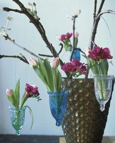 Tulpen-Blumen Gläser http://www.fuersie.de/wohnen/deko-ideen/galerie/tulpen-dekoration/page/4#content-top