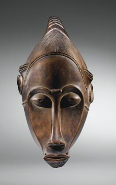 MASQUE, BAULÉ, CÔTE D'IVOIRE haut. 36 cm 14 1/6 in Estimate 120,000 — 180,000 EUR  LOT SOLD. 781,500 EUR