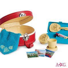 Find doll beds, doll houses, and other doll home furniture made from the finest craftsmanship at the official American Girl site. American Girl doll bed and home accessories help bring dolls' stories to life! American Girl Accessories, Doll Accessories, All American Girl Dolls, American Girl Furniture, Baby Doll Nursery, Robots For Kids, Kids Toys, Doll Home, Barbie Toys