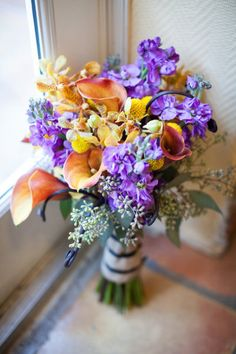 .not a big fan of stock in bouquets, but the color is nice.