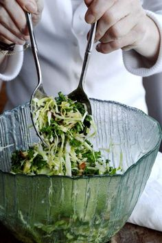 Green salad with sweetheart cabbage, kale, almonds, avocado, cheese and a delicious mustard vinaigrette.