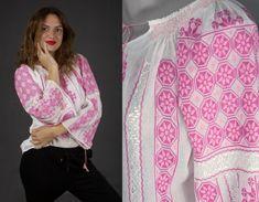 ie traditionala - hand embroidered Romanian blouse - boho chick top - bohemian fashion