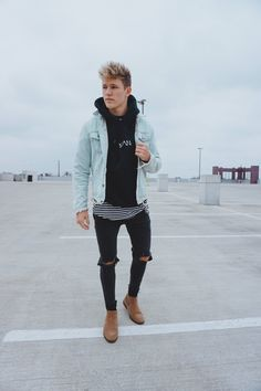 Ways for Men to wear Denim jackets - Goteo Stylish Mens Outfits, Casual Outfits, Men Casual, Fashion Outfits, Hipster Outfits Men, Denim Jacket Men, Men's Denim, Denim Style, Men Street