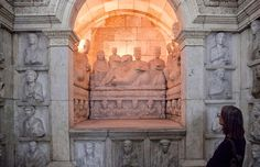 Stunning underground tomb from #Palmyra #Syria - now in Damascus Museum  Image: Peter Aaron