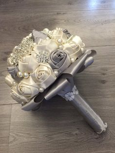 1 million+ Stunning Free Images to Use Anywhere Bouquet Bling, Beaded Bouquet, Wedding Brooch Bouquets, Diy Bouquet, Bride Bouquets, Flower Bouquet Wedding, Bridesmaid Bouquet, Bridal Flowers, Bridal Accessories