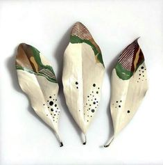 painted leaves by Samantha Dion Baker Image Beautiful, Leaf Crafts, Painted Leaves, Painting On Leaves, Nature Crafts, Ceramic Art, Diy Art, Green Colors, Art Lessons