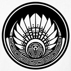 Crop circle - Mayan mask - c - Silbury Hill 2009 - Quetzalcoatl - Aztec - Venus - - Symbol New Age T-Shirts                                                                                                                                                                                 Más