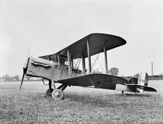 BRITISH AIRCRAFT FIRST WORLD WAR 1914-1918 (Q 67975) De Havilland DH.9A, two-seat day bomber biplane (Type M). Serial number E9703.