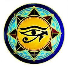 Puntillismo y mandalas - Celina Emborg Ancient Egypt Art, Egyptian, Spirituality, Accessories, Gucci, Google, Eyes, Tatoo, Eye Illustration