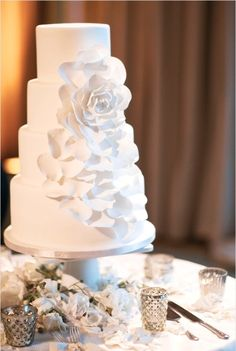 white wedding cake Simple and beautiful :)