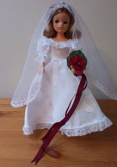 1984 Vintage Sindy Wedding Bells Outfit w/original bouquet and veil