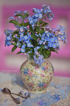 Colorful forget me not bouquet. Little Flowers, Love Flowers, My Flower, Flower Vases, Beautiful Flowers, Beautiful Flower Arrangements, Floral Arrangements, Forget Me Not, Floral Centerpieces