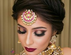 If you are going to be a bride soon and already know what you'll be wearing on your functions, then the next step is getting the perfect wedding makeup. Here are some Indian bridal makeup images to help you pick what you want. Bridal Hairstyle Indian Wedding, Indian Wedding Makeup, Bridal Hair Buns, Indian Wedding Hairstyles, Beach Wedding Hair, Indian Makeup, Bride Hairstyles, Arabic Makeup, Bun Hair