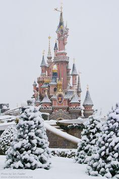 """DLP Dec 2010 - Wandering through a very snowy Parc Disneyland"" by PeterPanFan on Flickr ~ Winter at Disneyland Paris, France"