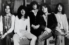 Reo Speedwagon makes my top twenty list. One of my favorite artists Karl Sky/Singer/Songwriter Gary Richrath, Love Yourself Song, Pop Rock Music, Reo Speedwagon, Greatest Rock Bands, Soundtrack To My Life, Music Pictures, 80s Music, Pop Rocks