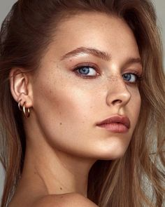 Lipstick Nude: These colors match your complexion!de - Lipstick Nude: These colors match your complexion! Beauty Make-up, Beauty Shoot, Beauty Women, Hair Beauty, Girl Face, Woman Face, Makeup Photography, Portrait Photography, Freckle Face
