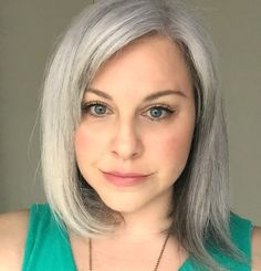 \(^-^)/ WOO HOO! FINALLY, a gray hair update!!! I've been trying out a shampoo and conditioner combo for several months and I'm in love! I feel like I've found what really works. :) Love you Silver Sisters!!! <3 <3 <3
