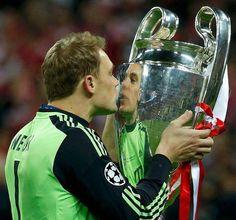 Cl winner 2013 with fcb, Manuel Neuer.