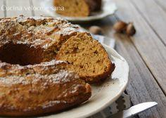 La ciambella al miele, ricotta e nocciole è uno di quei dolci perfetti per la colazione. Morbida e profumata, inzuppata nel latte è una delizia.