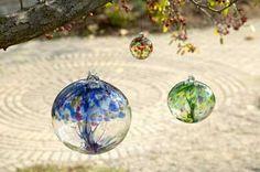 Wonderful Art Glass Winter http://www.amazon.com/gp/product/B003O95W84/ref=as_li_ss_il?ie=UTF8=1789=390957=B003O95W84=as2=internetselfh-20