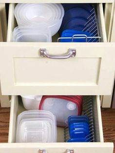 CD organizer = tupper ware lid solution!