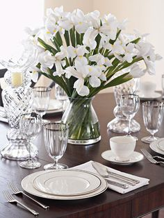 I love a dining room table that has a nice classic look to it...