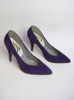 Vintage 1980s Purple Suede Pointed Toe Court Shoes / Heels available to buy online at Virtual Vintage Clothing £25