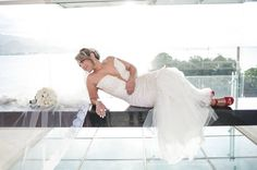 Alessandra + Marcelo  #bride #briderj #noivasdavania #noivasriodejaneiro #diadanoiva #vaniadepaulaprofessionalmakeup #vaniadepaulamakeup #beautifulbrides #producaodenoivas