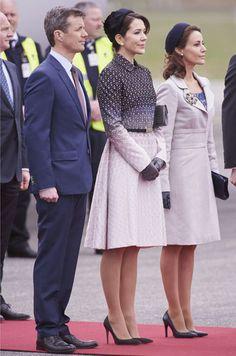 Ce mercredi, les princesses Mary et Marie accompagnaient la reine Margrethe II de Danemark pour accueillir le président mexicain et son épouse.