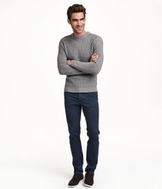 5-pocket pants in washed stretch twill with slim legs and regular waist. Slim fit.