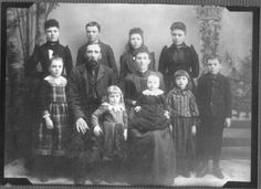 abt 1893 Henry Orville Robinson, his wife Nell Daggett Robinson, and their family Vintage Photos Women, Vintage Photographs, Cute Little Baby, Little Babies, We Are Family, Long Time Ago, Black And White Pictures, Old And New, Family Portraits