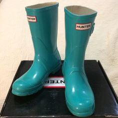 Hunter Turquoise Original Short Gloss Rain Boots Pictures show wear. Comes with the original box and care card. Please let me know if you have any questions :) ❌ no trades, please don't ask Hunter Boots Shoes Winter & Rain Boots