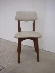 é DE + Vintage: Cadeiras vintage tola napa branca anos 50