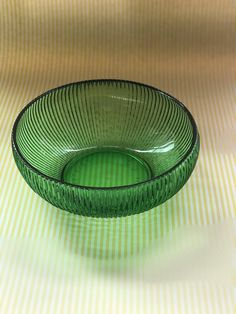 Vintage E O Brody Green Bowl, Emerald Ribbed Glass USA Made Green Serving Bowl, dip bowl, beautiful green Ribbed E.O Brody Co Cleveland Ohio